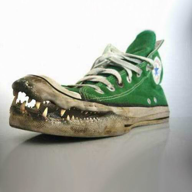 Dødbideren Sneaker
